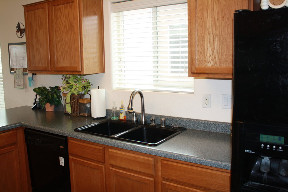 kitchen sink area.JPG