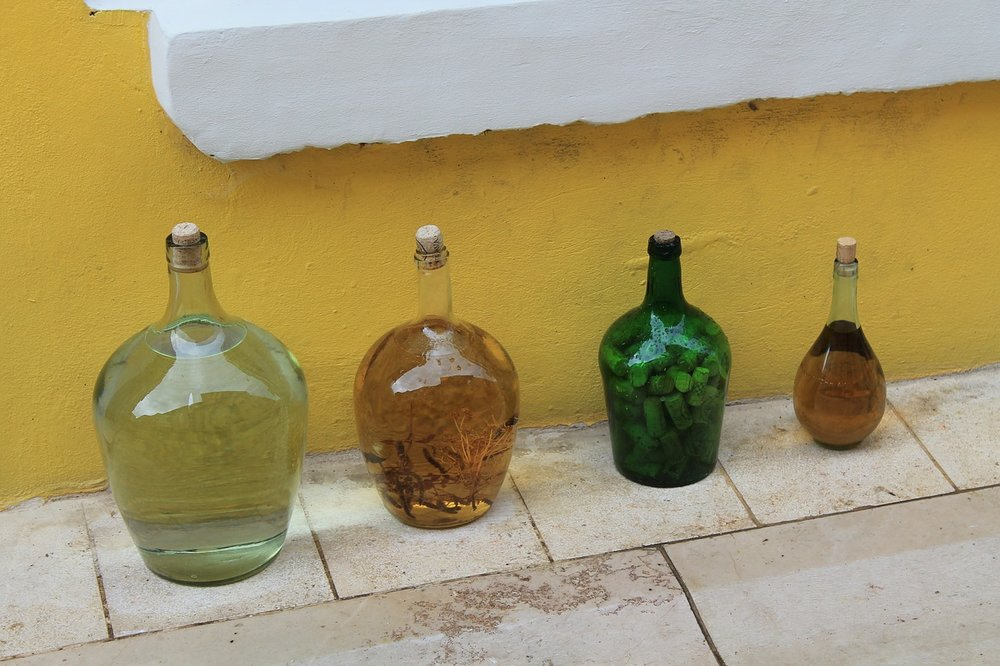 bottles-287722_1280