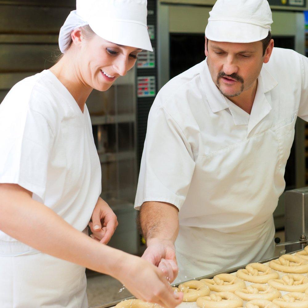 BAKERYPROFESSIONALSTRAINING - ¿Necesita entrenamiento de los empleados? Vea cómo nuestro programa de capacitación puede ayudar.