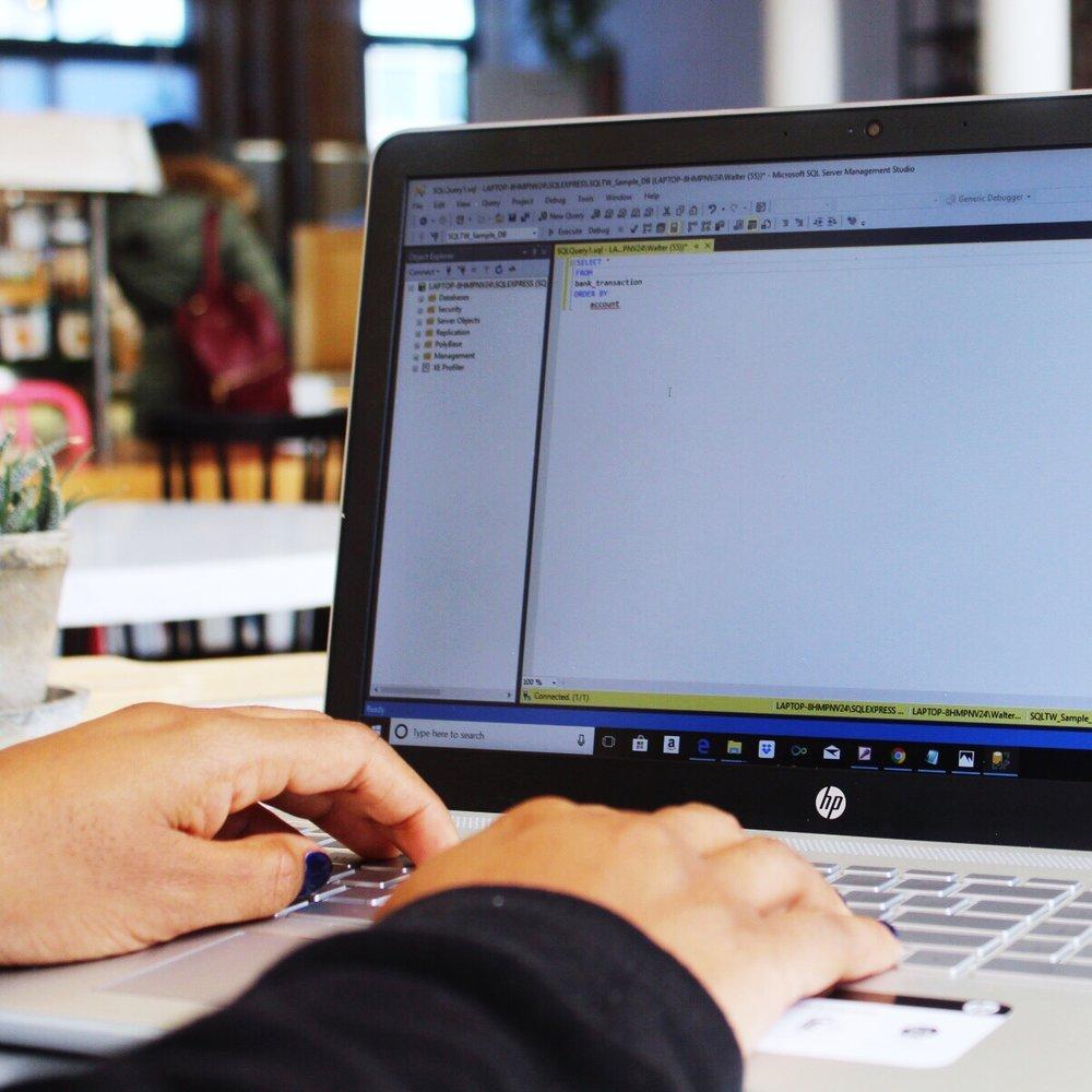 SQLTRAINING WHEELS - ¿Quieres aprender sobre las bases de datos y hablar su idioma?