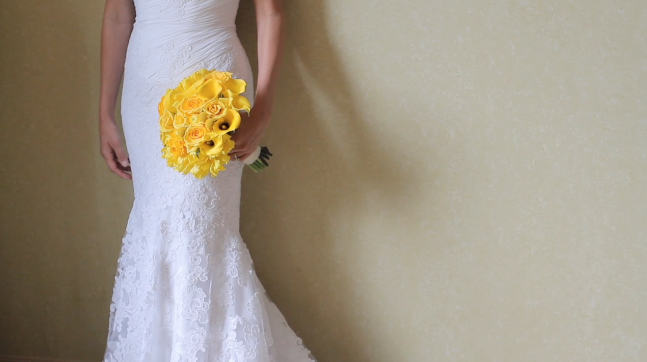 Clink Events Austin Bastrop Hyatt Regency Lost Pines Resort Wedding Pic 15 yellow bouquet