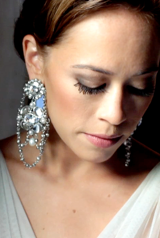b Escondido Clink Events Austin Wedding Video Pic 06 bride earring