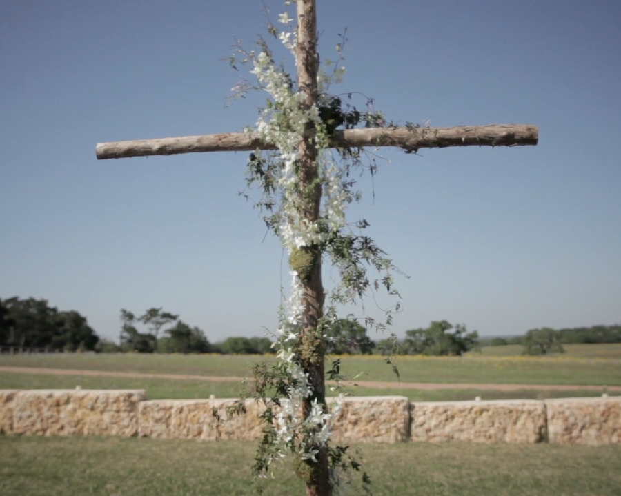 Houston rustic outdoor wedding pic 05 ivy cross