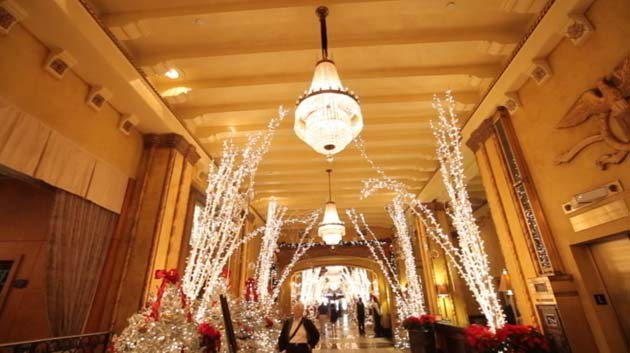 blog_the roosevelt hotel new orleans christmas pic 01