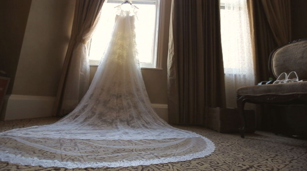 new orleans cathedral veil train vintage lace pic 01