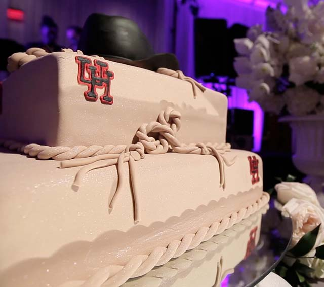 web_omni houston wedding video pic 13 groom cake university houston