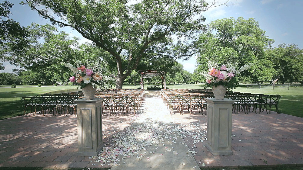 stefanie miles event ft worth rustic wedding photo 01