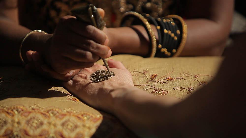 Whitt Experience Hindu Fusion wedding at Hotel Saint Cecilia Mendhi 17