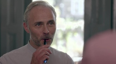 Mark Bonnar in Catastrophie (C4)