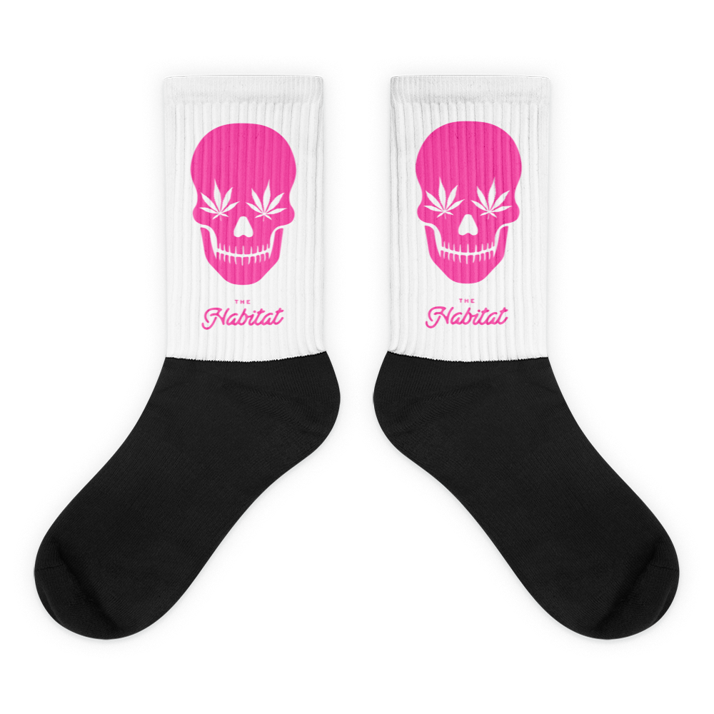 skull_pink-01_thehabitat_pink_logo-01_mockup_Flat_Flat.png