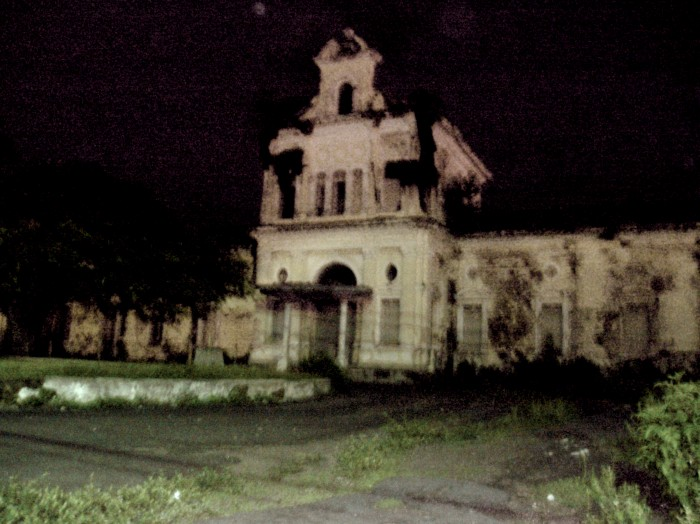 senior-central-america-haunted-house-1-e1382983463687.jpg