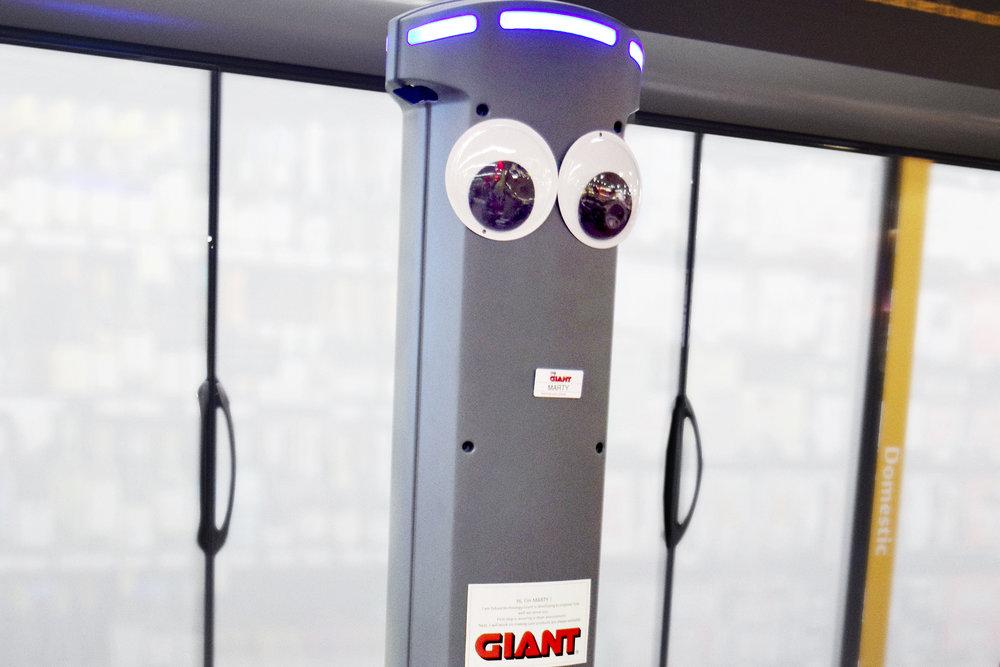 marty-robot-giant-supermarket-1.jpg