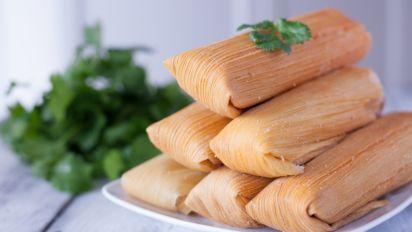 Ak3G2OXFSZmMl7Ck5yig_tamales-sauce-5316.jpg