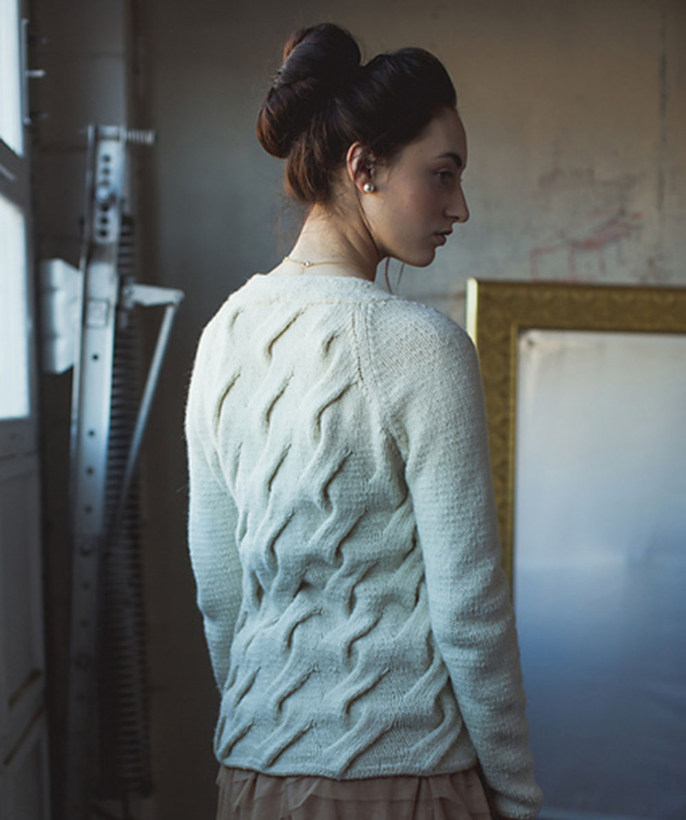 julie_pullover_back.jpg