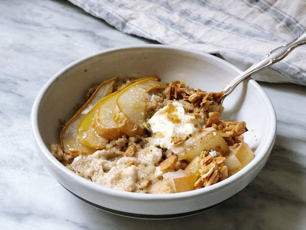 amaranth porridge with pear, honey, cinnamon, ginger