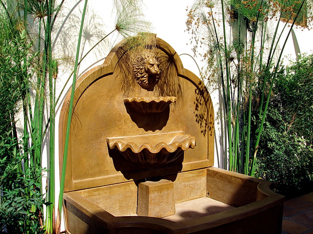 Roman_Fountain4.jpg