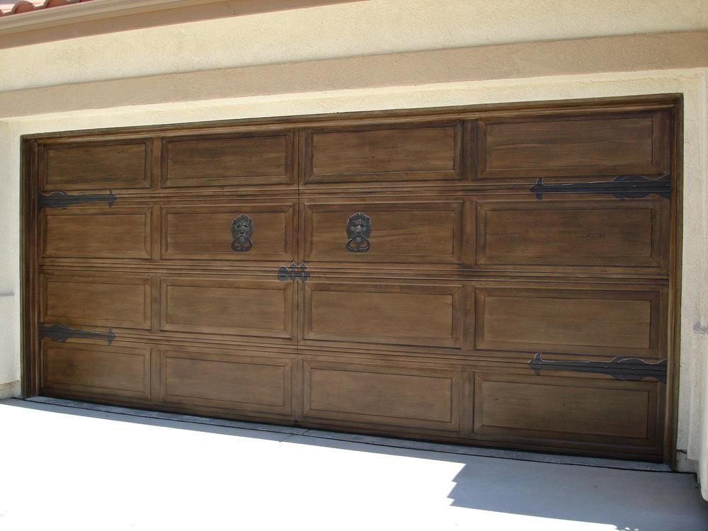 Lion_knockers_garage_door.jpg
