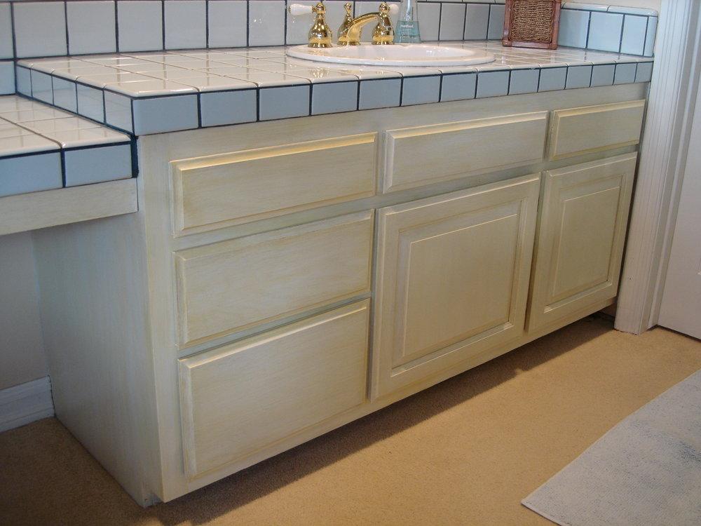 __Buttermilk___Glazed_Cabinets.jpg