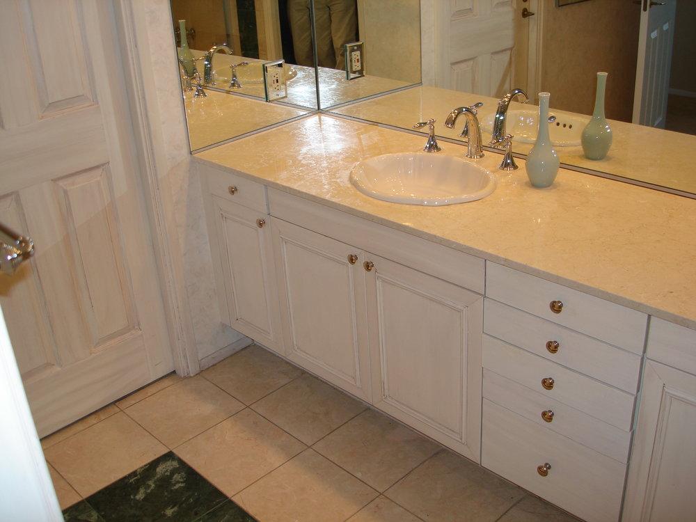 __Raspberry_Sorbet___Glazed_Bathroom.jpg