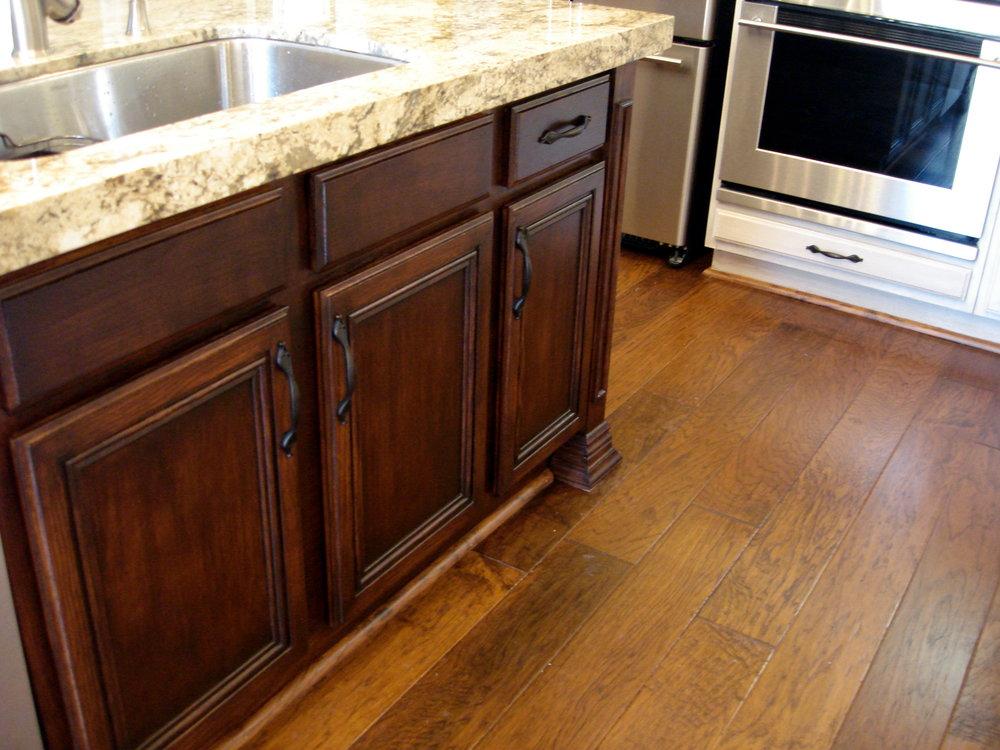 Tudor_Kitchen_Island1.jpg