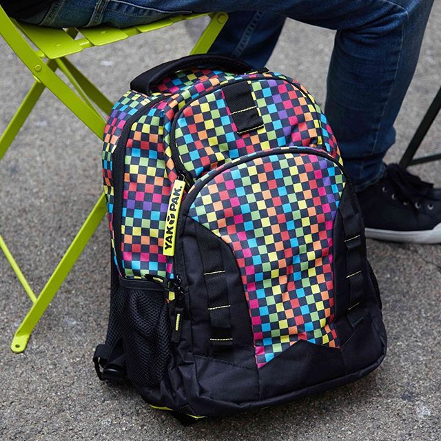 @minnowandmars is having a HUGE Yak Pak sale. Buy a backpack, get a lunch bag free. Go check it out. 💯