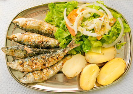 30145960_S_sardines_pototoes_calcium_omegas_healthy.jpg