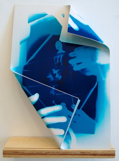 Fold I, 2013 photographic paper and aluminum Each 35 x 45 cm