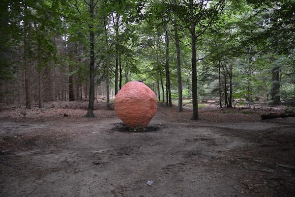 Blind Spot 2,  2015, installation view, Lustwarande 2015, commission of new monumental sculpture, De Oude Warande forest, Tilburg, Netherlands.