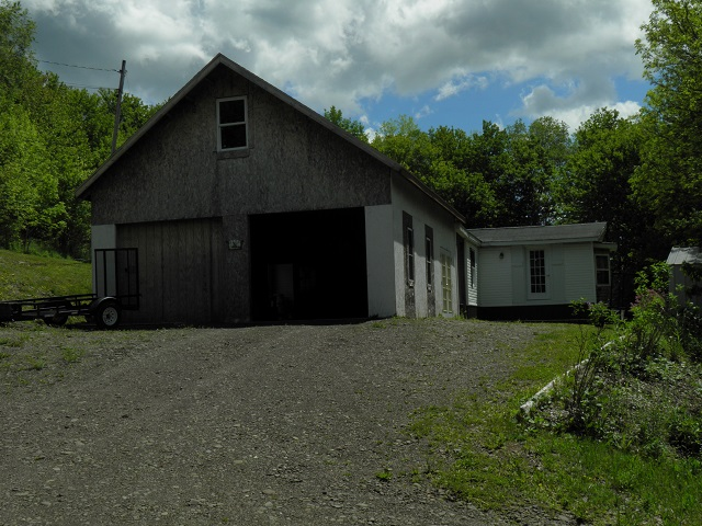69,000 Reduced to: 66,900 - Acreage +/-: 13 Bedrooms, 2 Baths1992 Doublewide With AdditionNice 24' x 30' Garage Built in 2013