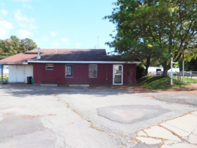 49,900 - Acreage +/-: .2218Sq. Ft. +/-: 924Small Business Opportunity
