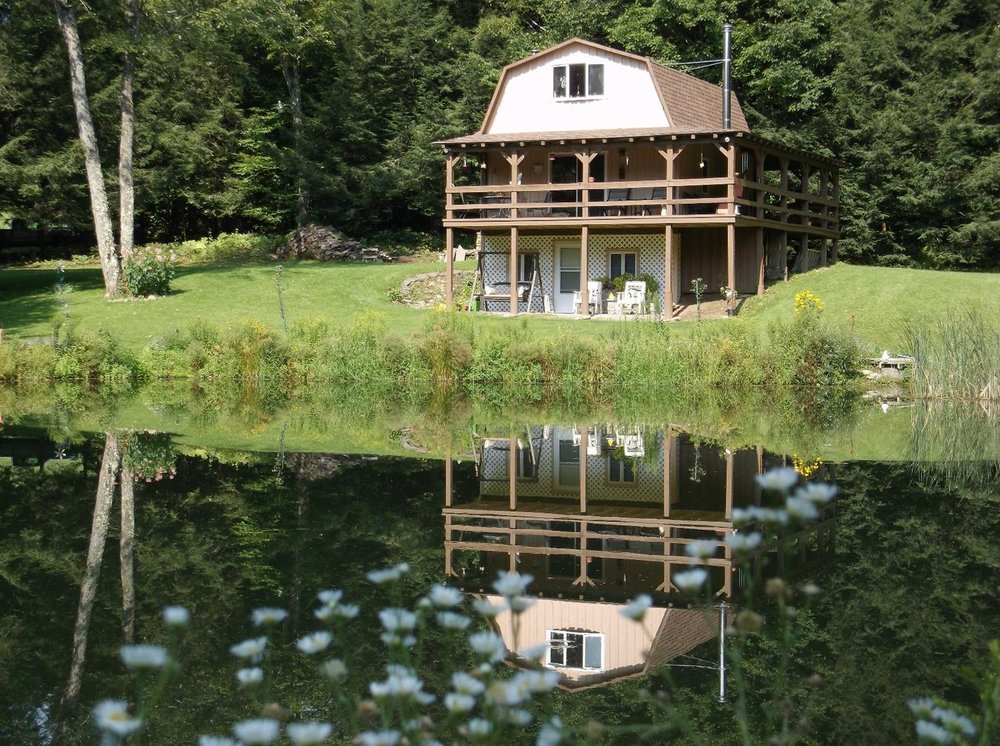 159,000 - 2 Bedrooms, 1 Bath5 Acres with Beautiful PondSerene Setting!