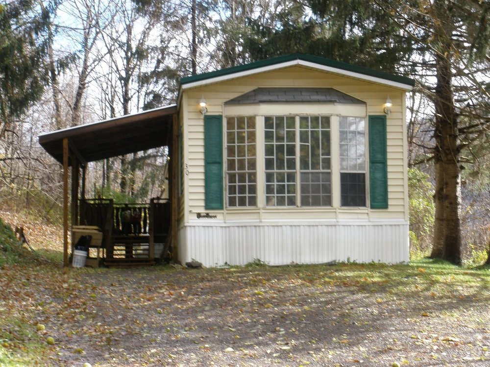 32,000 - Nice 2-Bedroom Manufactured Home on 1 Acre