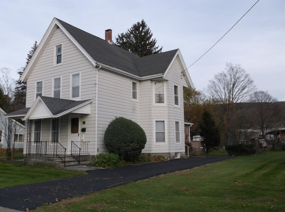 159,900 - Nicely Maintained Village Home3 Bedrooms, 2 Baths