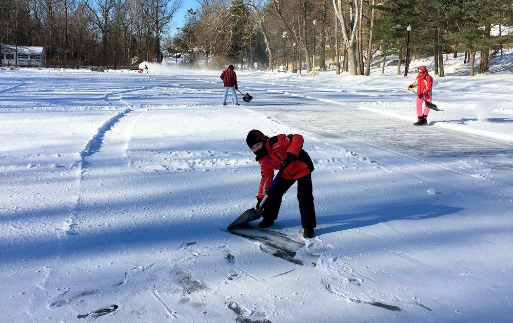 clearing snow-1.jpg