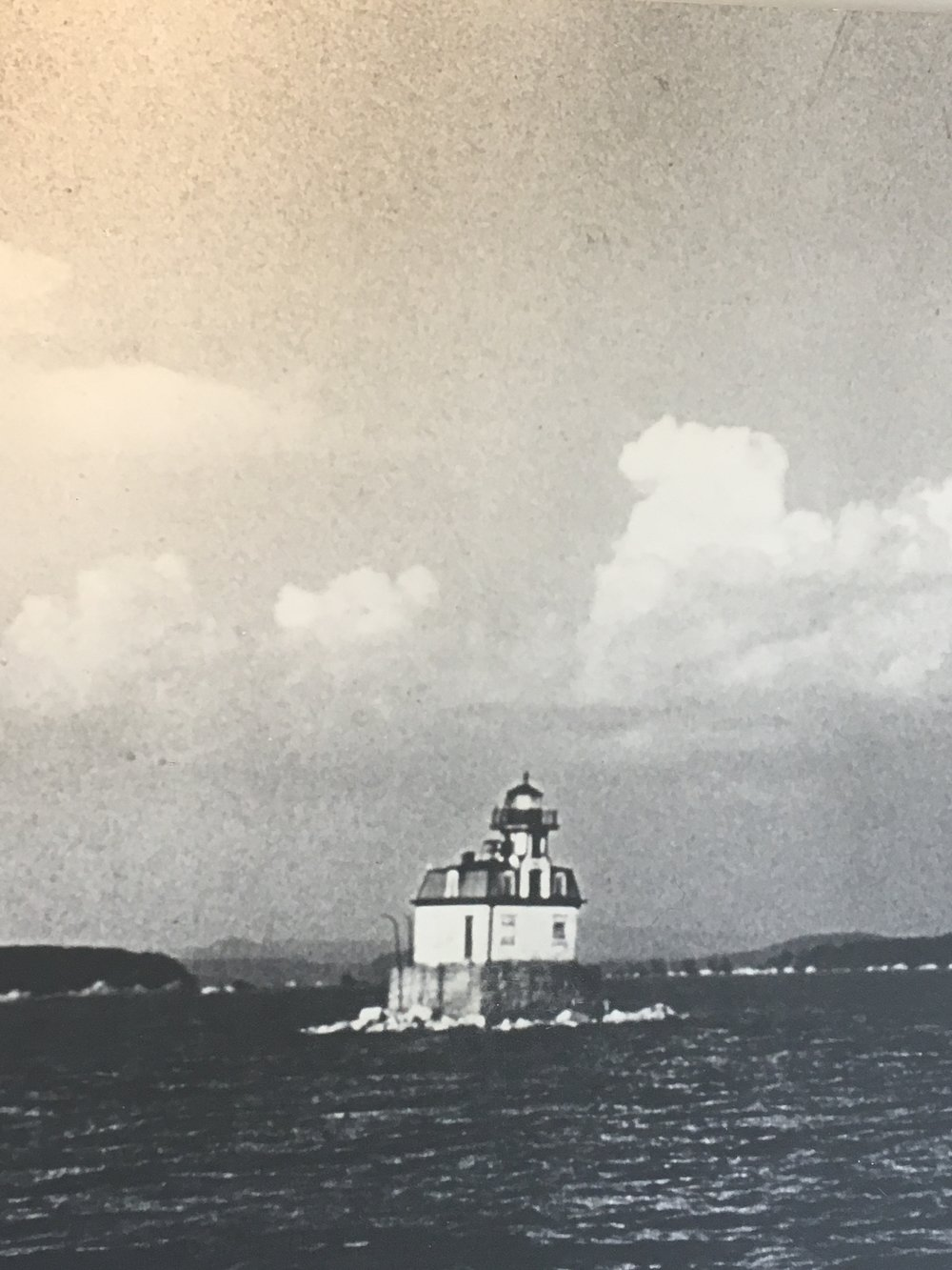 image of the lighthouse in it's original location .JPG