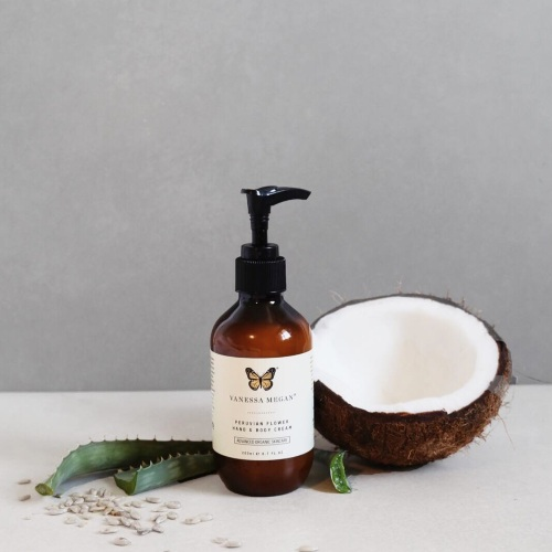 Vanessa Megan     www.vanessamegan.com     Vanessa Megan  is a range of artisan, hand crafted, cruelty-free, vegan, results driven, award winning skincare and perfumes.