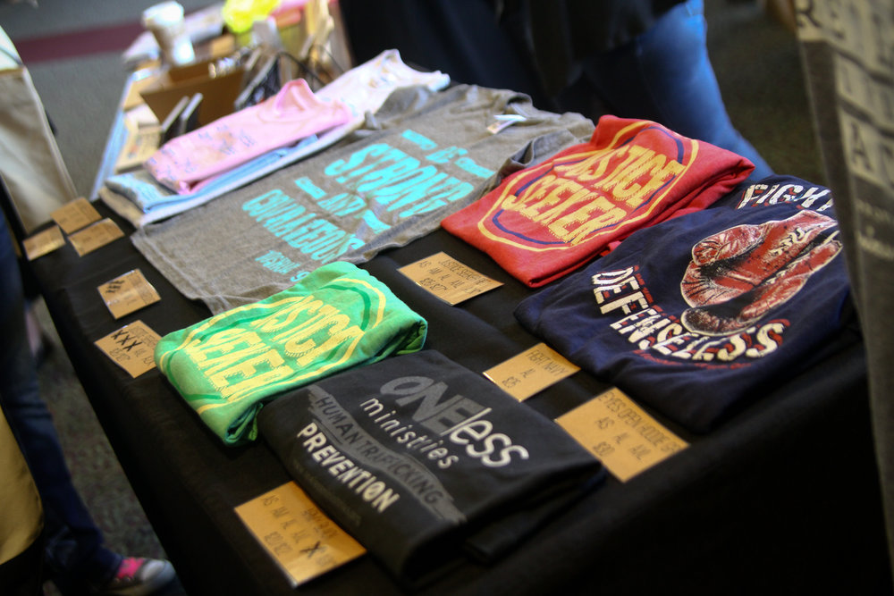 Merchandise design/display for local non-profit organization booth