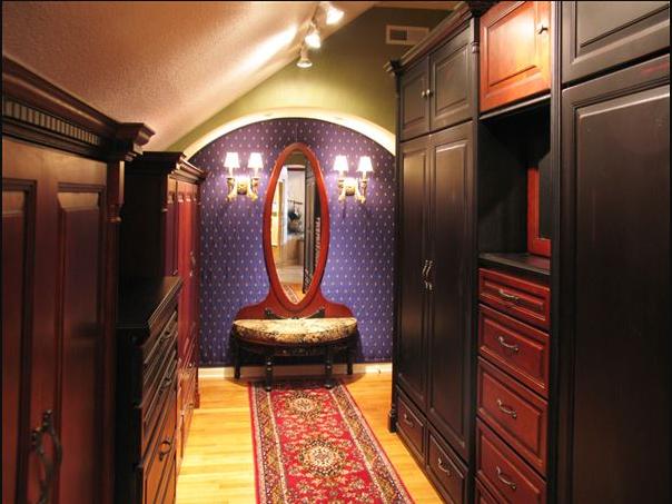 Master closet organization