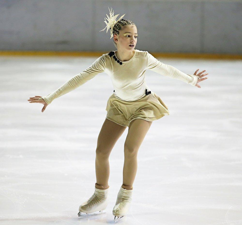 figure-skater-266512_1920.jpg