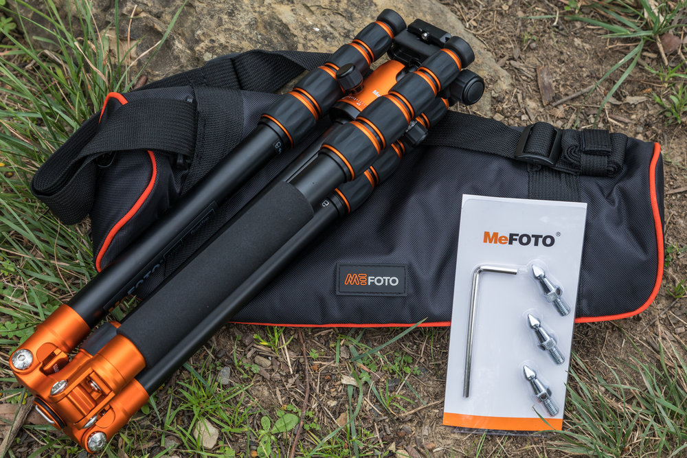 MeFOTO RoadTrip tripod in Aluminium with carry bag, spiked feet and allen key.