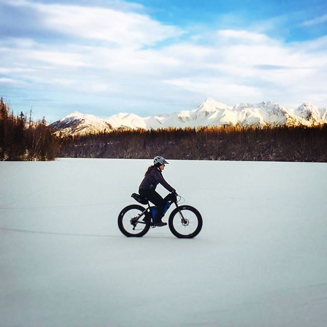 It's cold, it's snowy, it's beautiful. These frozen lakes open up opportunities for exploring, and we can't get enough! ⛄️🚲❄️