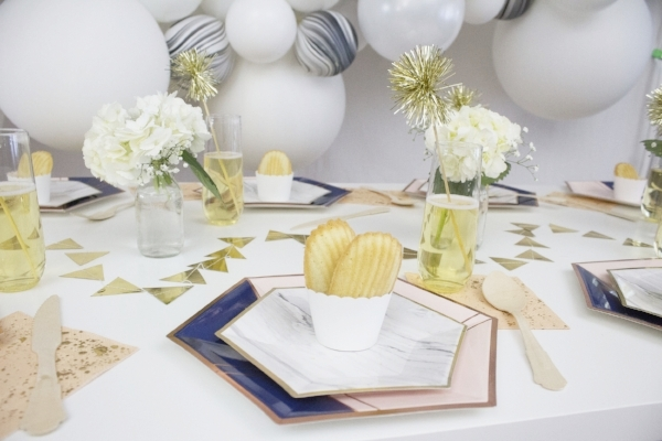 Blue and Pink paper plates.jpg