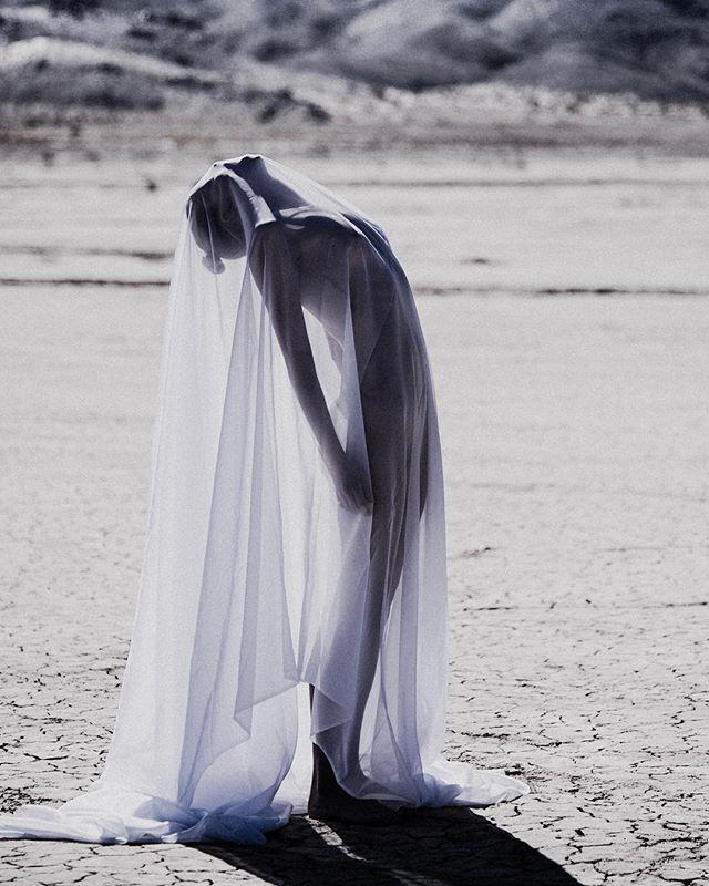 Dorith, shrouded. 📸 by @_alex_freund_ . . . #alexfreund #photography #abstract #art #desert