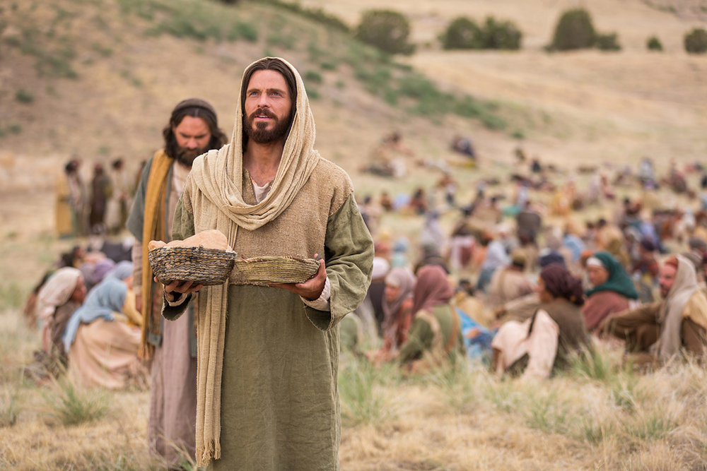 jesus-feeds-the-5000.jpg