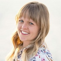 krista horton - Krista is the Editorial Director at The Small Seed and loves that she gets to share and connect with others about two of the most valued things in her life: belief in God and her family. You can connect with Krista on Instagram @kjohorton.