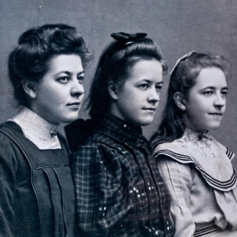 Betsie, Nollie, and Corrie ten Boom in 1905 via  Ten Boom Museum