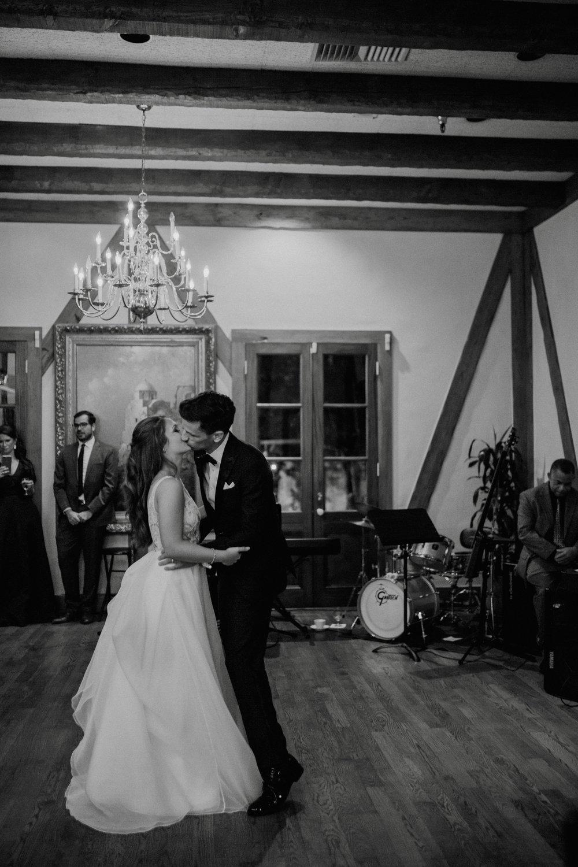 emily-michael-fullwedding-910.jpg