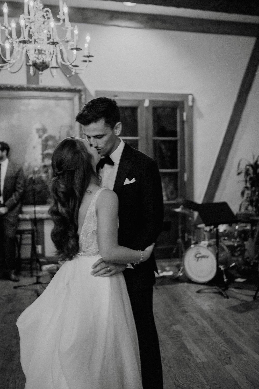 emily-michael-fullwedding-907.jpg