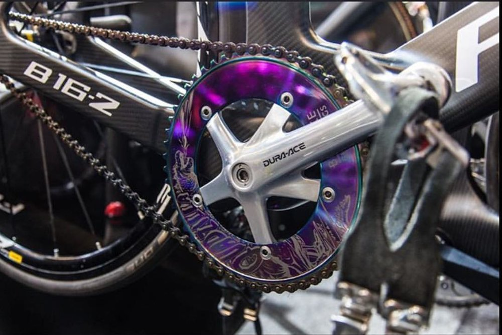The beginning of Bespoke Chainrings 'Spotto!' at the 2018 UCI World Champs in Apeldoorn started with this shot from @merlingraphy on Wednesday, thank you 😍 The Special Edition @robertfoerstemann 'Quadzilla!' 💪🚴💨 #bespokech