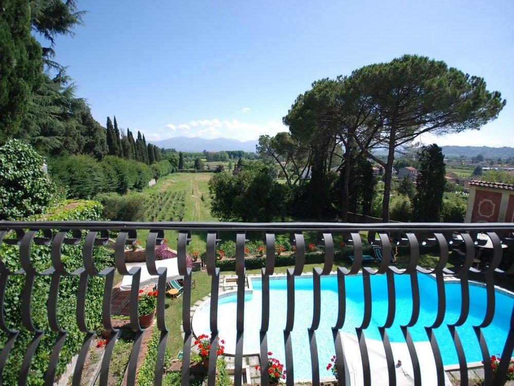 Villa Picture.jpg